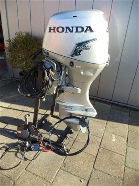 40 Pk Buitenboordmotor Te Koop by Honda 40 Pk 4 Takt Efi Langstaart Powertrim 2012 Nette