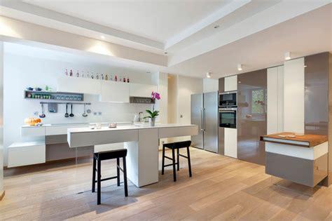 cuisine appartement parisien grand appartement parisien lumineux contemporain cuisine par arlydesign
