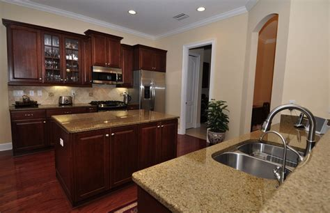 kitchen colors cherry cabinets cherry cabinets them awesome kitchens 6571