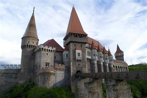 corbin castle visiting the gothic masterpiece of corvin castle romania travelsewhere