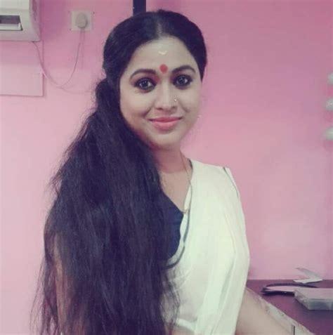 actress lakshmi priya facebook lakshmi priya home facebook