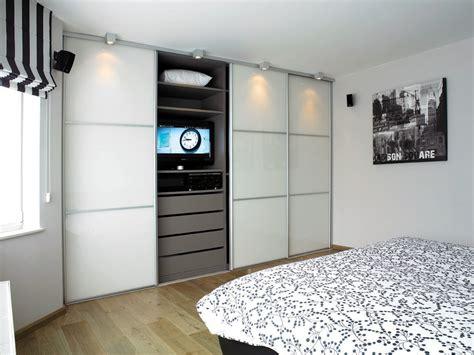 modele de chambre a coucher simple armoires sur mesure pour chambre coucher ua armoires