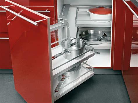 placard angle cuisine cuisine les placards et tiroirs