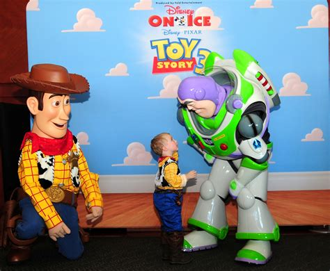 Disney On Ice Salutes Fort Campbell Families With Special ...