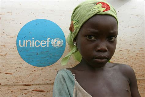 UNICEF car in the Central African Republic | © Pierre ...