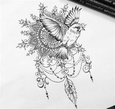 exemple dessin tatouage oiseau qui  envole avec mandala