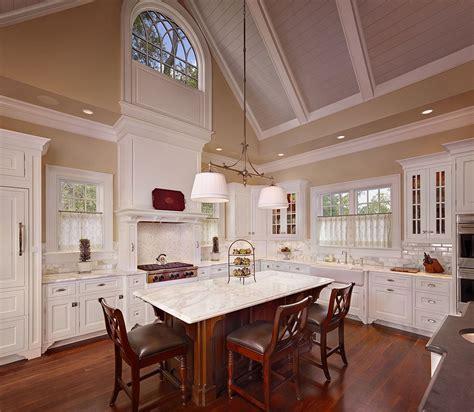 kitchen diner lighting ideas high vaulted ceiling kitchen diner with brown hardwood