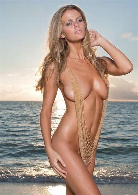 Brooklyn Decker Nude Brooklyn Decker Nude