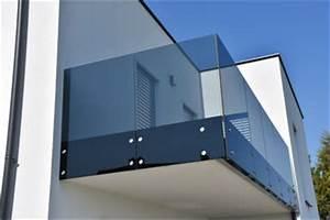 pergola uberdachung faltdach oder pergola markise screenroom With markise balkon mit rasch tapete stein