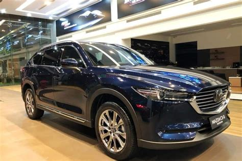 It is available in 4 colors, 2 variants, 1 engine, and 1 transmissions option: Bán xe MAZDA CX-8 PREMIUM 2019
