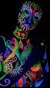Maquillage Fluo Visage : shooting photo fluorescent dans le noir maquillage uv ~ Farleysfitness.com Idées de Décoration