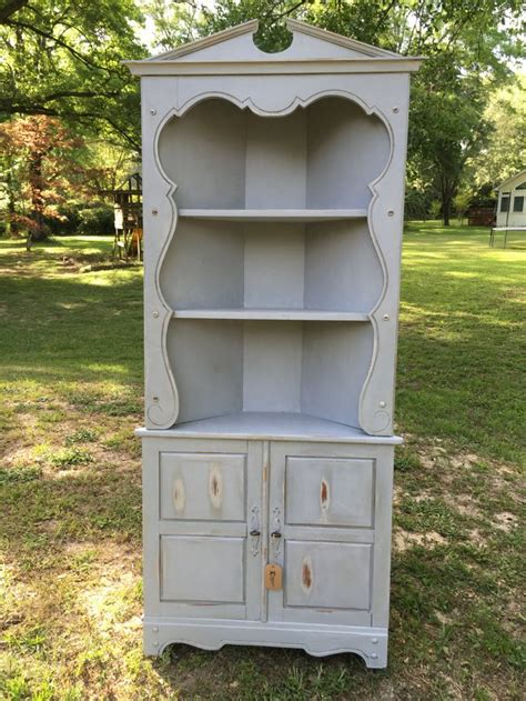 shabby chic corner hutch 25 best ideas about corner china cabinets on pinterest antique corner cabinet small china
