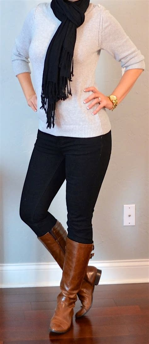 Outfit post grey sweater black skinny jeans black scarf brown boots | Outfit Posts