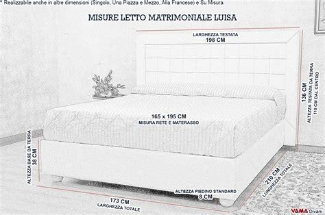 Letto Moderno Bianco In Pelle Con Testiera A Quadri