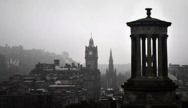 edinburgh travel guide     costs ways  save