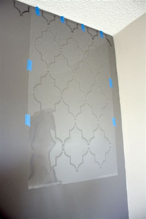 grey wall  valspar metalic glaze   stencil paint