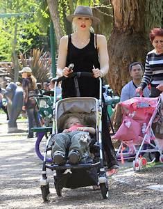 Gwen Stefani And Kids Visit The Los Angeles Zoo - Zimbio