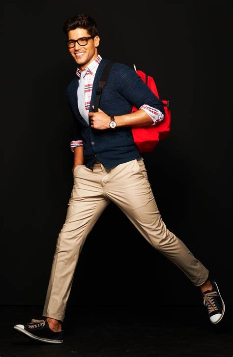 How To Dress Like Nerdy Boy? 18 Cute Nerd Outfits For Men