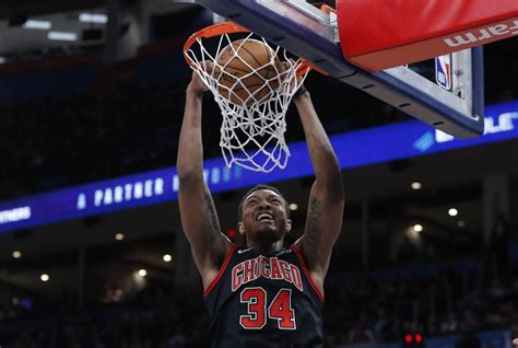 Wendell Carter Jr. Suffers Right Quad Contusion, Out 4 ...