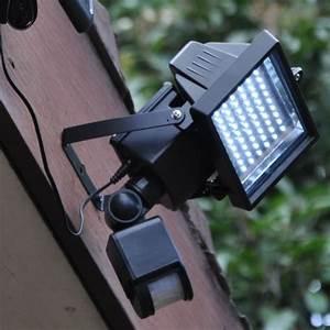 Spot Solaire Extérieur : projecteur led exterieur solaire eclairage led solaire ~ Melissatoandfro.com Idées de Décoration
