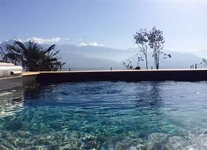 les 25 meilleures idees de la categorie liner piscine sur With wonderful photo de jardin avec piscine 13 fleurir un escalier