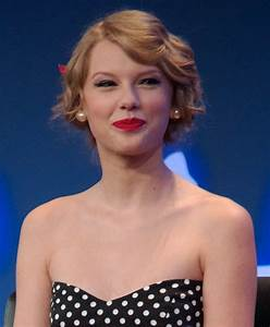 File:Taylor Swift 3, 2011.jpg - Wikimedia Commons  Taylor