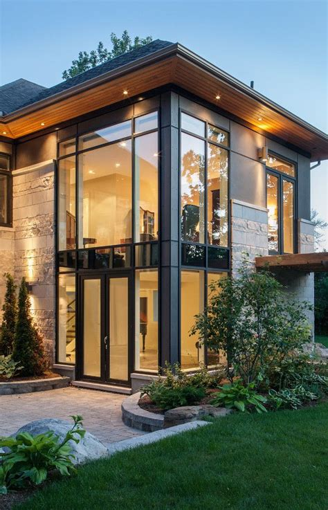 straight lineslarge long windowssuch  modern home