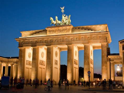 la porte de brandebourg facts about brandenburg gate berlin images