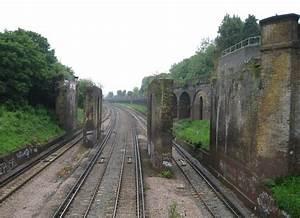 File:Putney, Railway line and dismantled viaduct ...