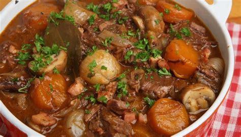 cuisine de a à z recettes recette de boeuf bourguignon cuisine