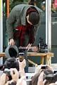 Teardrops Fall as Rain Enlists in Army - The Chosun Ilbo ...