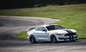2018 Ford Mustang Shelby GT350 / GT350R | Performance and Driving Impressions Review | Car and ...
