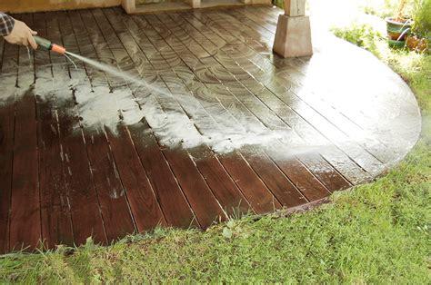 nettoyer et entretenir sa terrasse en bois grad concept