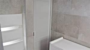 salle de bains entierement renovee carrelage effet pierre With aix carrelage