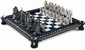 Harry Potter Final Challenge Chess Set 812370010332