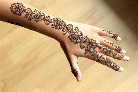 de cuisine indienne dessin au henné mehendi le de