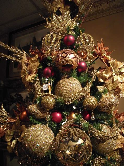 christmas tree decorations and gold 40 beautiful gold christmas decoration ideas