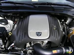 2006 Dodge Charger R  T 5 7l Ohv 16v Hemi V8 Engine Photo