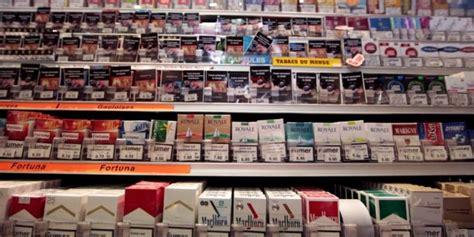 bureau de tabac 13 cigarettes le paquet neutre arrive dans les bureaux de tabac