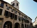 File:Abbiategrasso-municipio1.jpg - Wikimedia Commons
