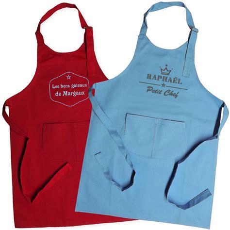 tablier de cuisine à personnaliser tablier enfant brodé label une idée de cadeau original
