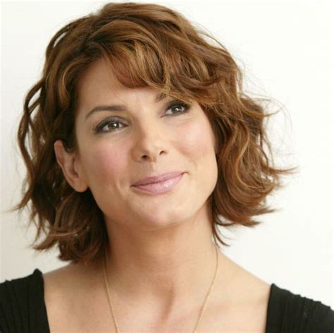 Hairstyles For 50 With Wavy Hair by 15 Stylish Hairstyles For 50 For A