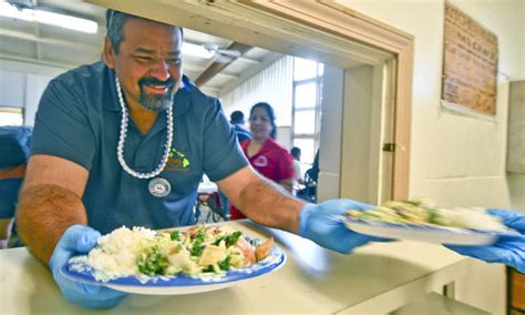 island soup kitchen volunteers help at soup kitchen the garden island