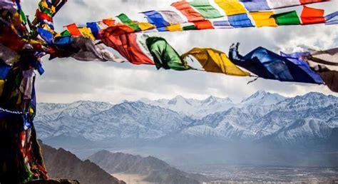 tibetische gebetsfahnen bedeutung der symbole texte
