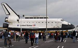 File:Space Shuttle Endeavour, 12 October 2012 (8081889034 ...