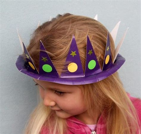 wonderful diy party hat  paper plate holiday hats