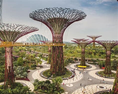 Singapore Aims The World Greenest City