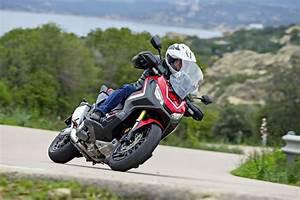 Essai Honda X Adv : essai honda x adv jeu de piste scooter station ~ Medecine-chirurgie-esthetiques.com Avis de Voitures