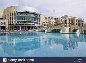 VAE, Dubai, Dubai Mall, water, shopping centre, outside ...