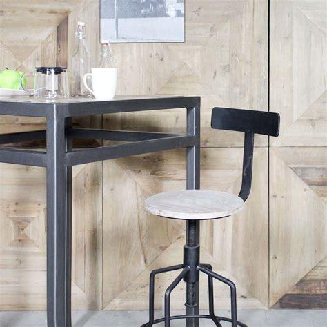 chaise de bar industriel 27 idées déco de tabouret et chaise de bar industriel